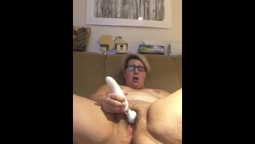 Squirting and playing with my tummy
