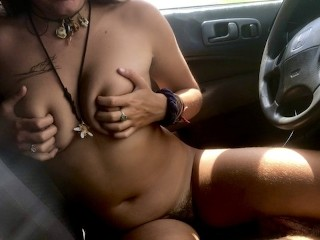 18 year old lex strips and gives u joi from her car