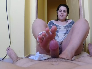 make me cum with your feet pls