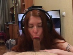 Horny Redhead Like Reverse Cowgirl And Apex Legends -Eating Cum From Condom