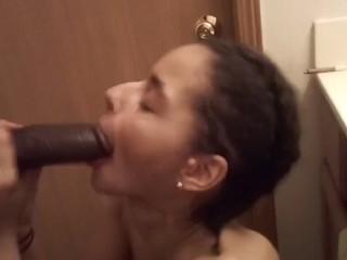 HOTTEST BATHROOM FUCKING SHE CUM 2xs & GETS FACIAL!!!