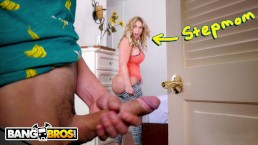 BANGBROS - Juan El Caballo Loco's Hot Stepmom Eva Notty Shows Him Love