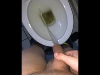 Big Scottish cock pissing