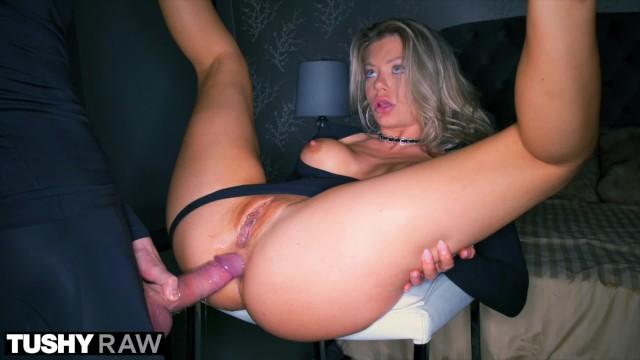 Tushyraw Riley Steele Has Incredible Intense Anal Sex -8913