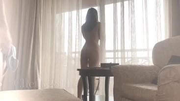 in hotel mi faccio inculare in finestra mentre ci guardano dalla piscina
