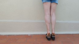 DIRTY FEET -- Walking with chunky shoes + shoeplay + leg show PART 1