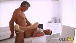 kancelária sex video Rhiannon porno