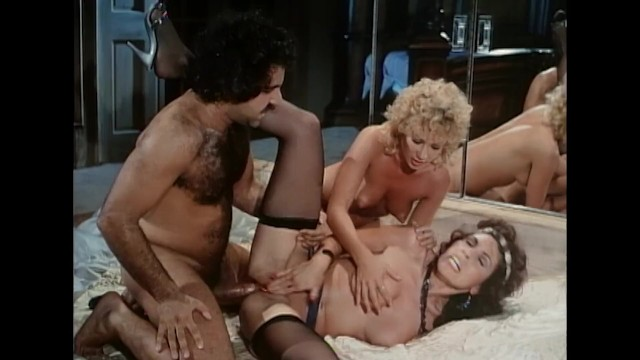Janey robbins porn star Ron jeremy threesome with sexy ladies