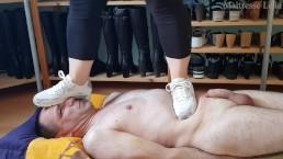 Piétinement et saut à pieds joints en Nike Air Max