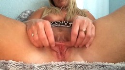 Blonde MILF pussy lip stretching and playing