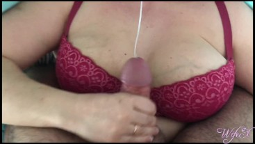 She handjobs over her bra and causes massive cum in just 30 seconds | WifeX