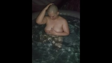 Baldbabey playing in the hotub