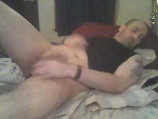 guy sttroking to porn