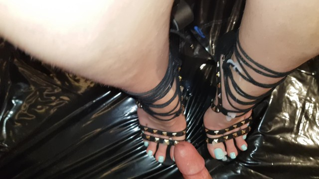 Hand long nail sexy Cum on sexy feet with blue long nails heels