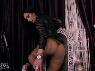 Dominatrix/luxurious pantyhose kennya mistress