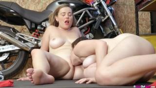 Voluptuous busty lesbian Tweedy fuck her sexy mechanic Willow