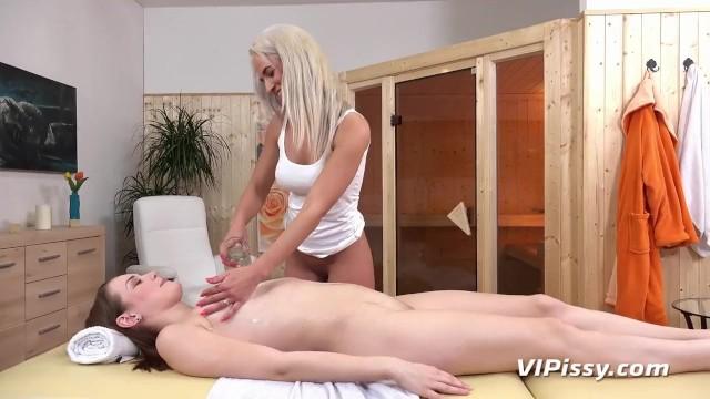 Sensual Massage Turns Into Lesbian Piss Play