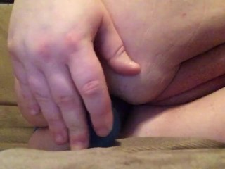 Vickii Fucks Her Fat Pussy Until She Squirts