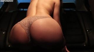 Girl masturbates in the car & cums in her favorite panties – MaryVincXXX