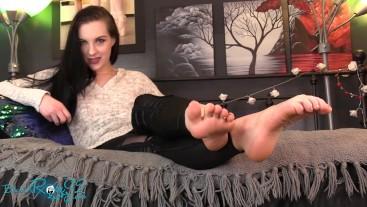 Gender Neutral MILF Feet JOI