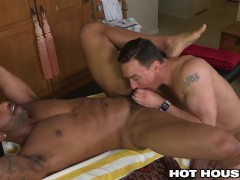 HotHouse Cut Masseur Eats Fine Ebony Ass B4 Making His Cock Happy in Ass