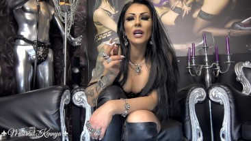 Mistress Kennya: My cigarette is bigger than your dick
