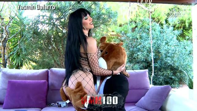 Escorts de lujo en cusco The naughty bear books an escort