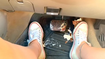 Messy pedal pumping with sneakers and barefoot