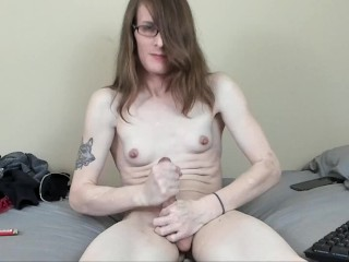 Jadeisrad strokes and sucks an intense orgasm out...