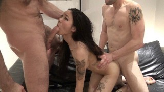 My Wet Pussy Enjoyed Getting Fucked by Two Massive Dicks