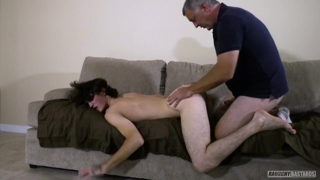 Gay older gay fucks Teen skater tricked by older creep and gets fucked bareback in casting