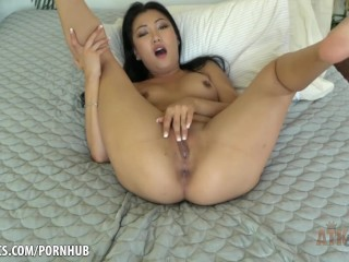 Horny Jade Luv strokes her pussy madly