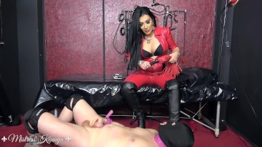 Mistress Kennya: Boots and chastity for the wanker