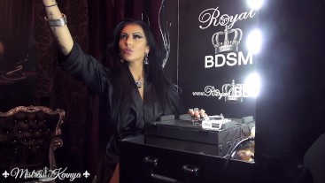 Mistress Kennya: Just Me and My make-up