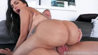 Jules Jordan - Lela Star tits and ass on South Beach!