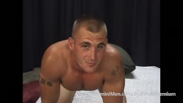 THE BODYBUILDER & THE BUTT PLUG..CUM PUDDLE