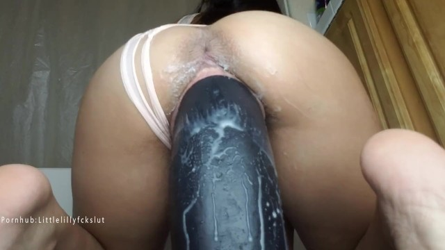 Enormous anal insertions Taking giant 11 inch thick boss hogg dildo in my pussy. stretched wide.
