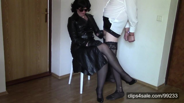 Leather gloves fetish smoking - Amateur wife in leather gloves gloves handjob compilation, part 2