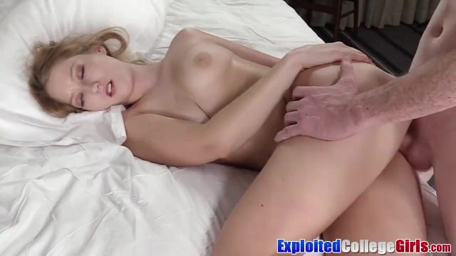Sexy coeds first time Stunner coed autumn choked on camera 1st time before facial