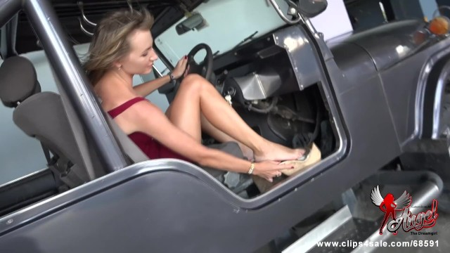 Angel desire sex - 512 you wish your cock is under the pedal