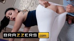 Brazzers – PAWG Yoga teen Mandy Muse loves anal
