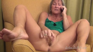 Milf Has Phone Sex n Masturbates