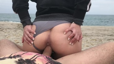 Pussy of young girl is creampied on PUBLIC BEACH