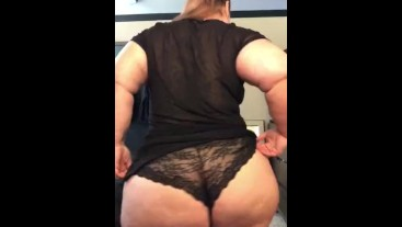 Pawg/BBW with big ass strip tease