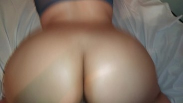 My step sister has the best ass... love smashing her after she sucks me up!