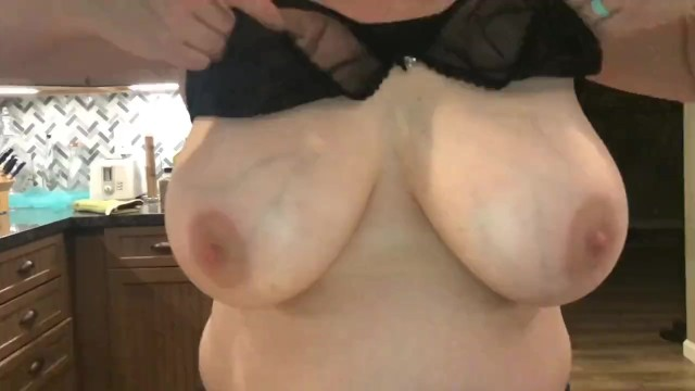 Bra pull breast Horny milf shows off new bra then pull out giant breasts