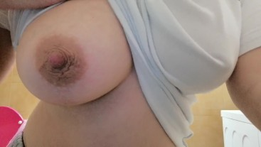 Pregnant woman loves to show off her big boobs