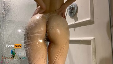 Teen Female Solo - Taking a Shower is Fun: First Time Squirting