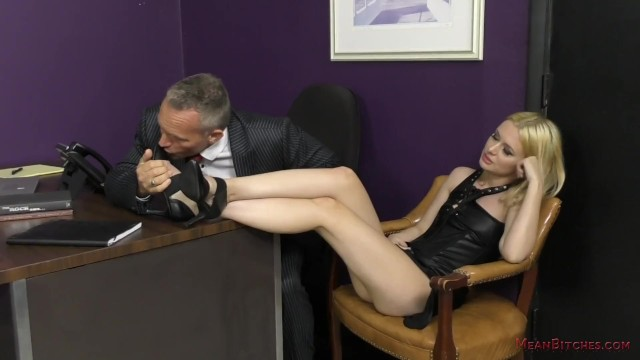 Kaley kennedy pussy pic Bitchy secretary turns the boss into her slave - kennedy kressler