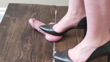 Sunday fun PT1 Amateur Girlfriend crushes my balls in black high heels